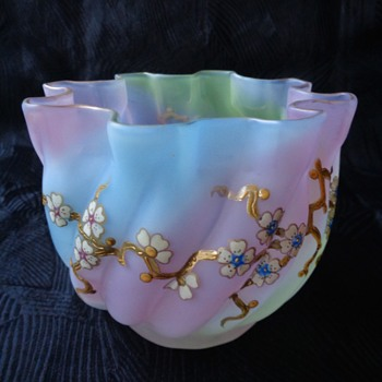 Harrach rainbow satin glass bowl with enamel decoration - Art Glass
