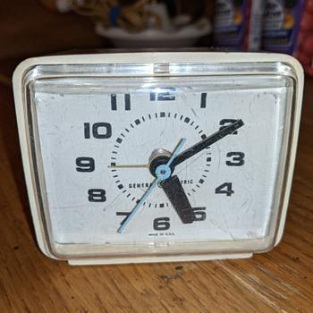 General electric alarm clock - Clocks