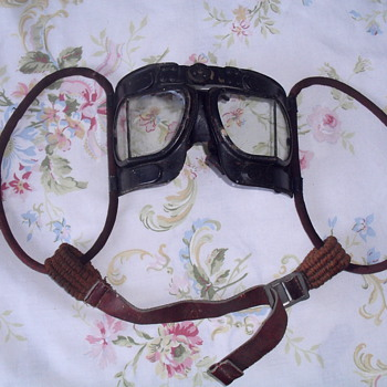 RAF MK IV Flying goggles. - Military and Wartime