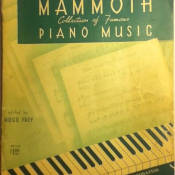 Robbins Mammoth Collection of Famous Piano Music - Music Memorabilia