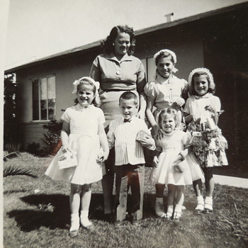 Easter Family Photograph From 1959, For Manikin! :^) - Photographs