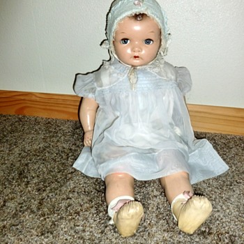 Help! Anyone know what the maker/name of this Doll??