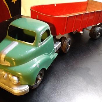 Hubley Dump Truck - Toys