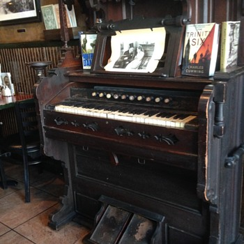 Victorian Pump Organ  Found in A Bar on Staten Island NY - Musical Instruments