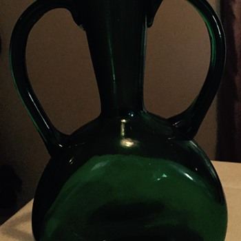 Need any help on the age or info on this vase - Art Glass