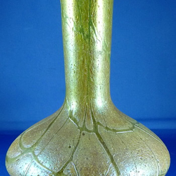 KRALIK IRIDESCENT GLASS VASE ? - Art Glass