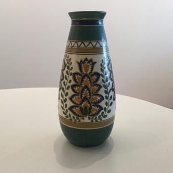 De ARNHEMSCHE FAYENCEFABRIEK. c. 1906 - Pottery