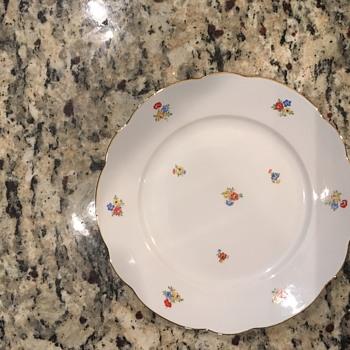 Pretty mystery china - China and Dinnerware