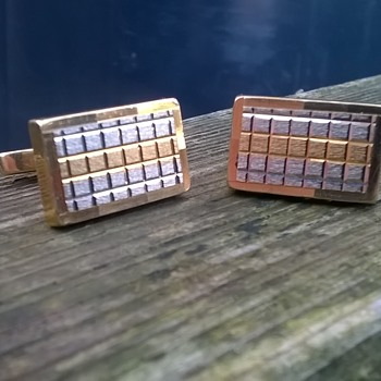 750 Italian Gold (18K) Tri-color Cuff Links Vintage Shop Find 7,00 Euro ($7.27) - Fine Jewelry