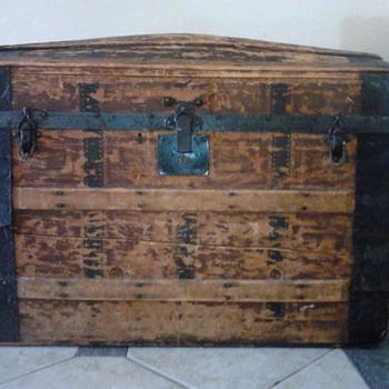 chest trunk - Furniture