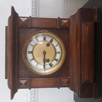H.A.C mantle clock model number 3289 - Clocks