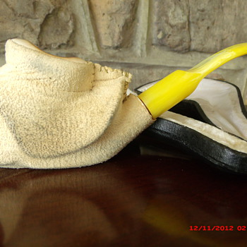 A Meerschaum Hand Carved Pipe with Cover still on. - Tobacciana