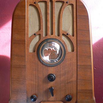 my Philco 37-660 - Radios
