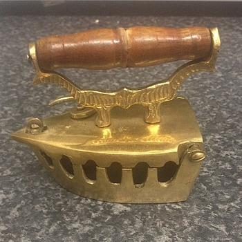 Brass ashtray - Tobacciana