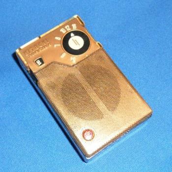 1950's HITACHI Transistor Radio - Radios