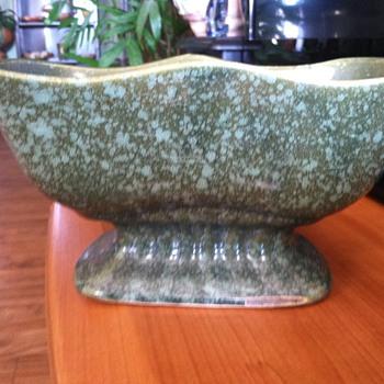 Brush McCoy planter for Ks85 - Pottery