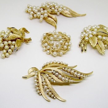 Trifari Brooch Set - Gems of the Sea Collection - Costume Jewelry