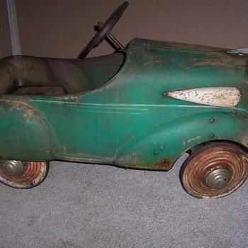 my mystery  pedal car - Model Cars