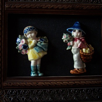 Flower children antique china brooches. - Costume Jewelry