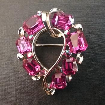 Lisner heart brooch &earrings set  - Costume Jewelry