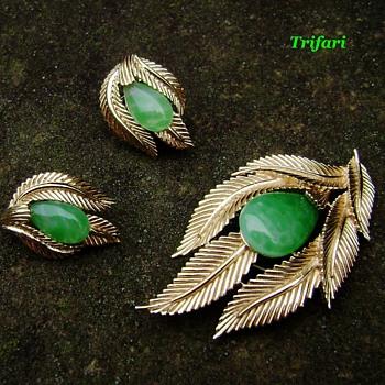 Trifari Brooch Set - Jewels of India - Costume Jewelry