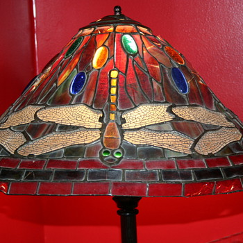 TIFFANY OR NOT TIFFANY? - Lamps