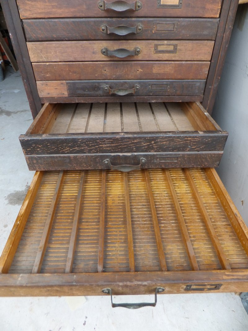 20 drawer cabinet - possibley printers cabinet | Collectors Weekly