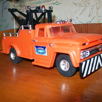 1966 Ideal GMC wrecker - Model Cars