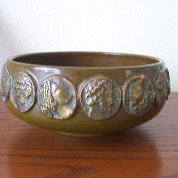 Marked Italy Pottery Console Bowl Help - Pottery