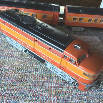 FOUND: Lionel 2023 SP Orange Passenger Set  - Model Trains