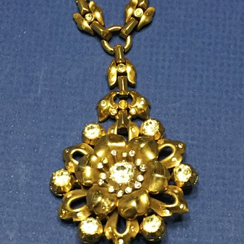 Trifari Rose Necklace with Rhinestones circa 1940s - Costume Jewelry