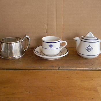 Tea Time - Railroadiana