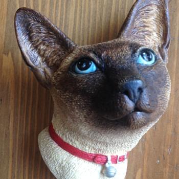 Bossons Rare Siamese Cat Figure - Figurines