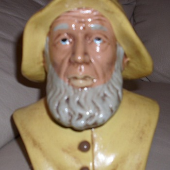 NAUTICAL SEA CAPTAIN BUST - Pottery
