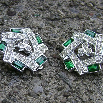 Sarah Coventry Earrings - Emerald Ice - Costume Jewelry