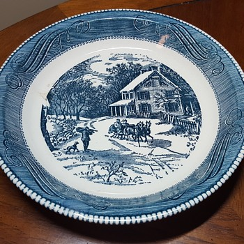 Curirer and Ives Blue Pie Baking Plate