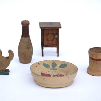 partie de dinette en bois tourné, jouets en bois et mobilier-art populaire, Alsace debutXXe