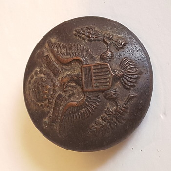 Mystery military button  - Military and Wartime
