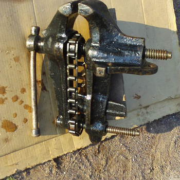 Fisher #2 dbl screw vise - Tools and Hardware