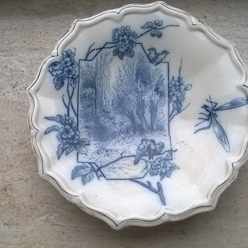 Old Three Footed Blue Transfer Print Shallow Bowl Flea Market Find - Pottery