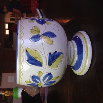 Can anyone tell me who made this bowl and the correct name for it? - Pottery