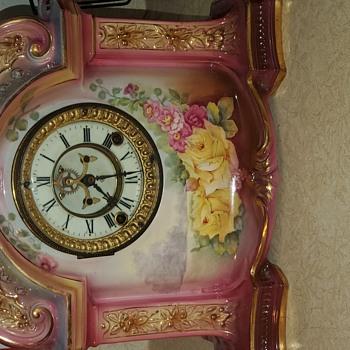 Great grandma possessed this in 1915.Royal Bonn Germany 1755 Ansonia clock (La Orb)- I'm dyin to know the backstory:)  - Clocks