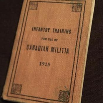 1915 war training booklet - Books