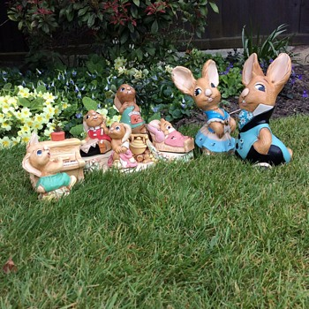 Easter bunnies for Scott.  - Figurines