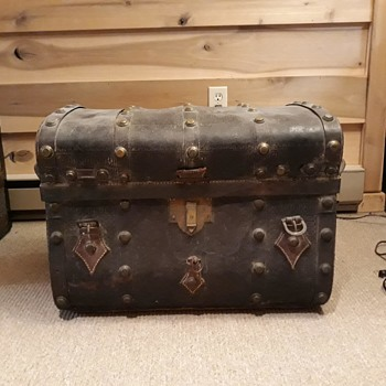 My Dad's steamer trunk - Furniture
