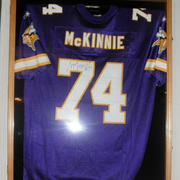 Bryant McKinnie signed jersey - Football