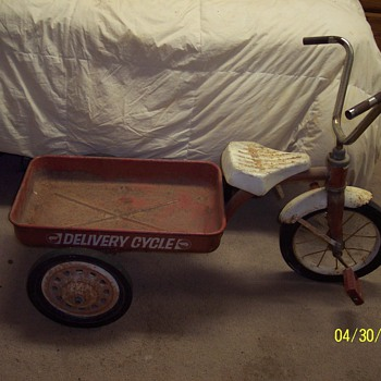 AMERICAN FLYER DELIVERY TRICYCLE - Sporting Goods