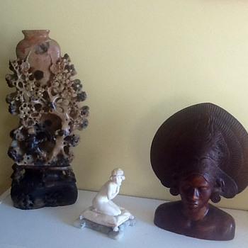 Chinese sculpture vase