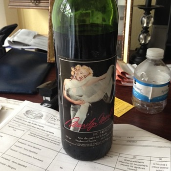 1987 marilyn monroe label/bottle