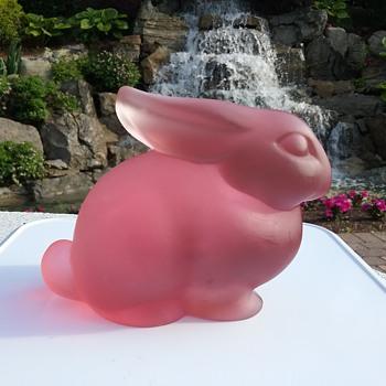 Heisey by Dalzell Viking Glass rabbit  - Animals